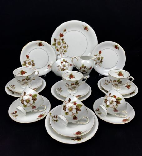 European Wawel Tea Set / Christmas Rose Design / For 6 People / Vintage - Poland